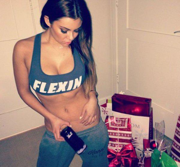 fit-girls-that-have-put-in-extra-reps-for-some-well-deserved-attention-30-photos-11