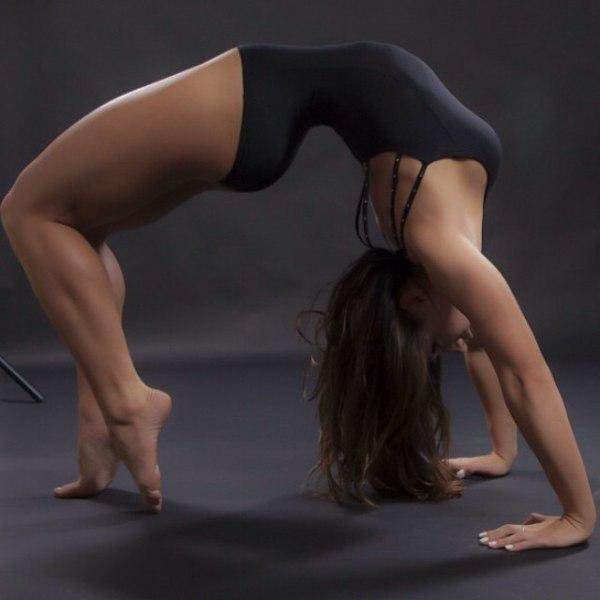 found-strong-and-flexible-caitlin-rice-13